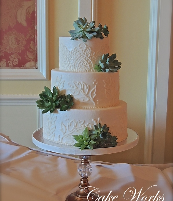 Buttercream Lace Piping With Succulents.