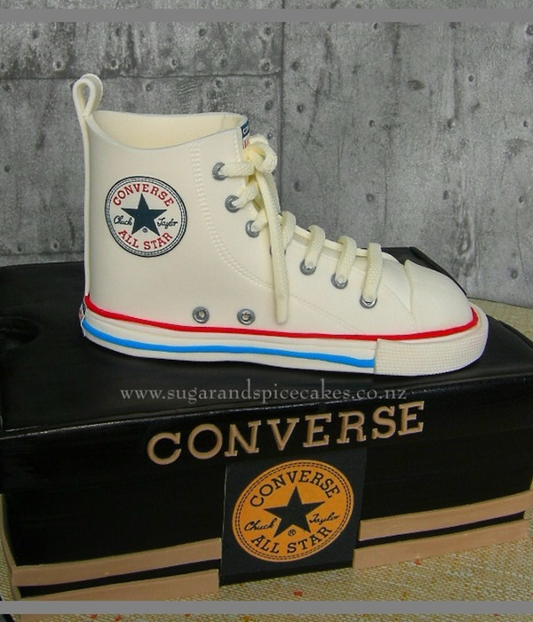 Chuck Taylor Shoe And Shoe Box Cake