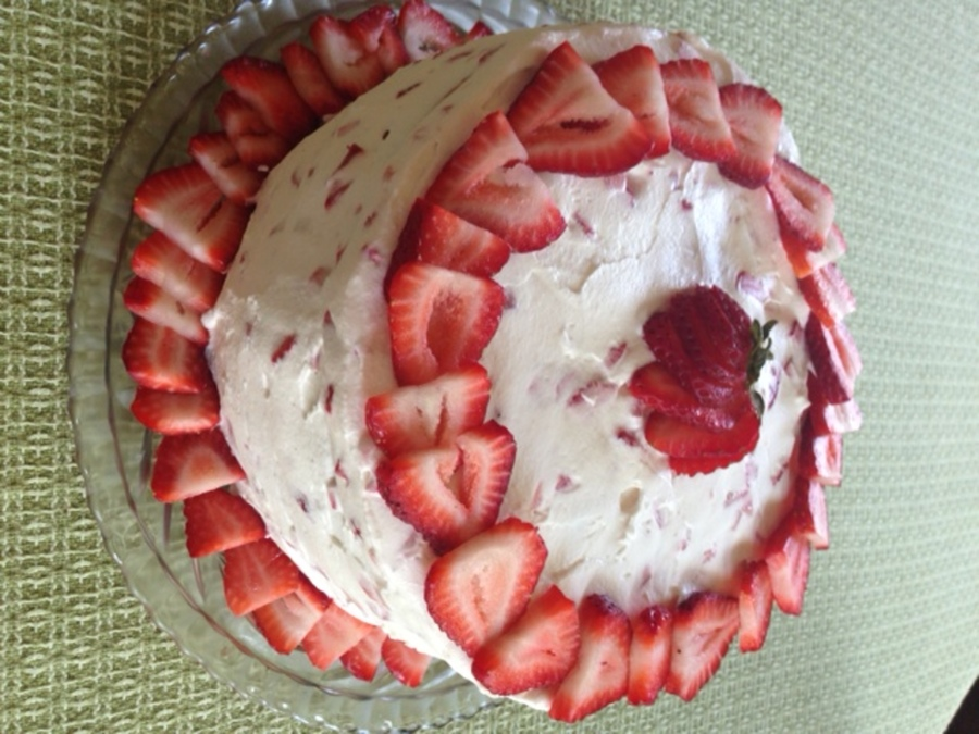 Strawberry Cream Birthday Cake on Cake Central