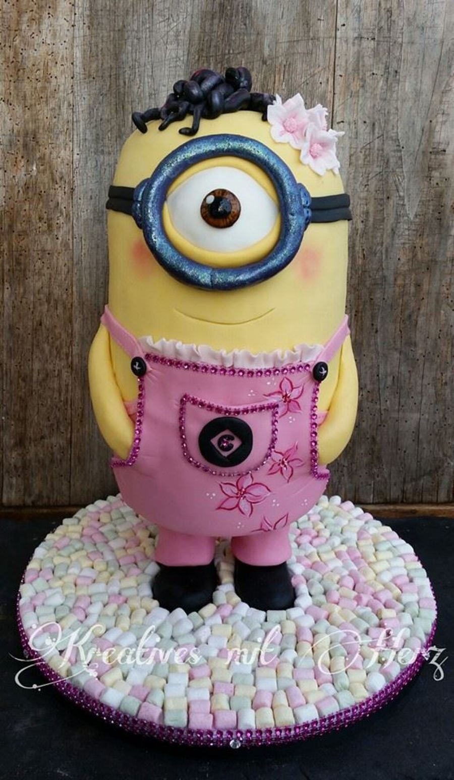 A Little Minion Girl Cakecentral Com