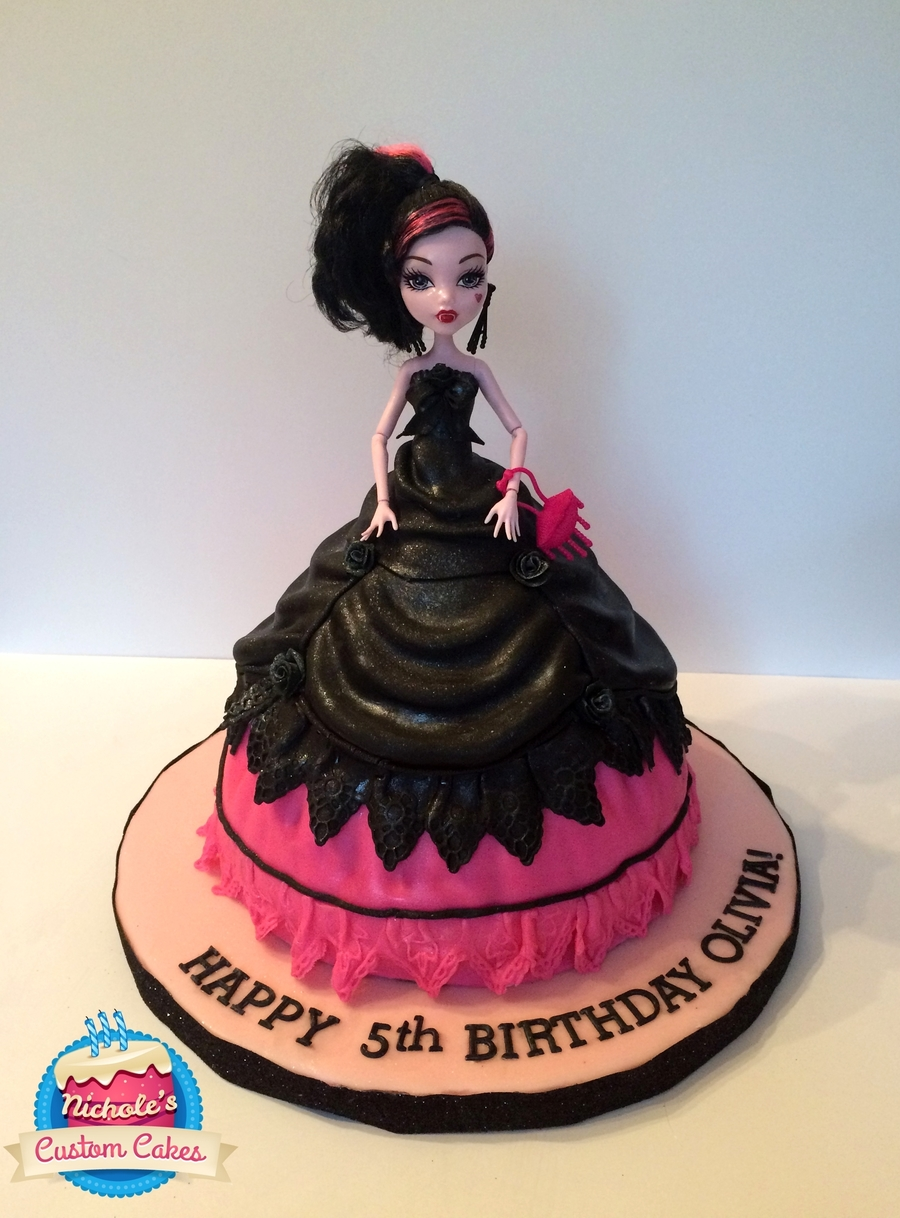 Draculaura Monster High Doll Cake Cakecentral Com