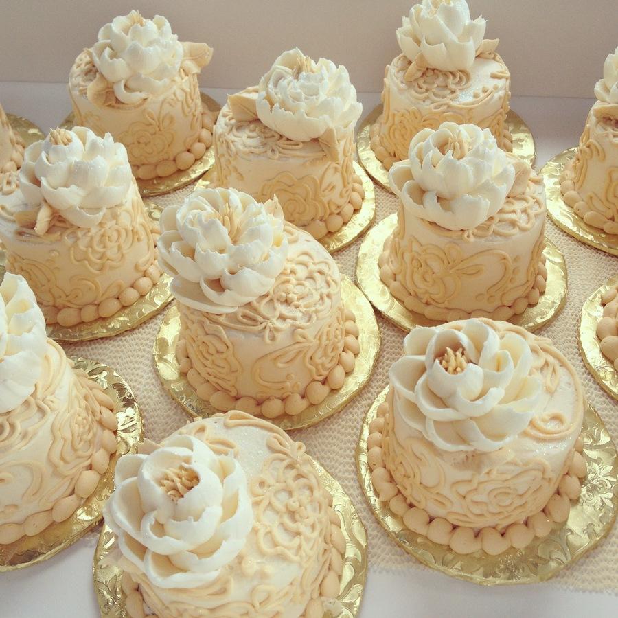 Victorian Buttercream Mini Cakes Cakecentral Com