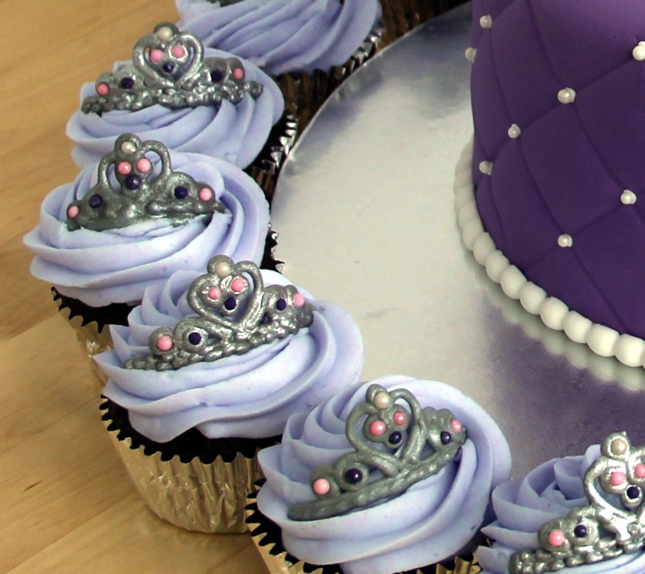 Cupcake Cake Design Templates : Tiara (Crown) Cupcake Template - CakeCentral.com