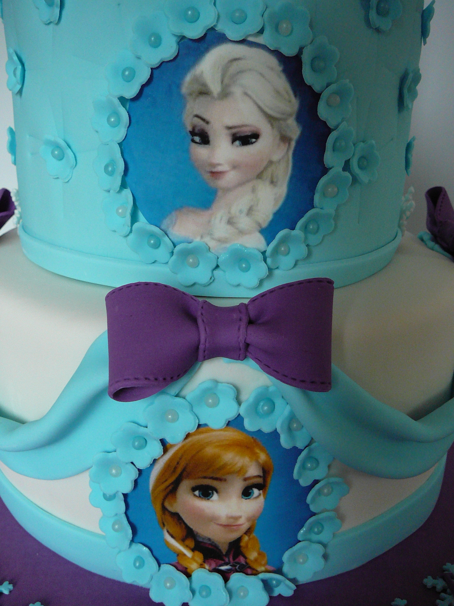 Olaf And The Princess From Frozen - CakeCentral.com