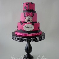 Minnie Mouse Cake I just looooove Minnie Mouse.