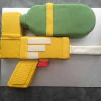 Super Soaker Cake Made for a 10th water fight birthday party.