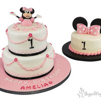 Minnie Smash! A 2 tier minnie cake with smash cake......thanks to Julia Hardy for the brilliant design, the original creator of this cake...