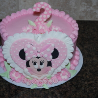 Minnie Mouse Cream cheese buttercream with fondant decorations