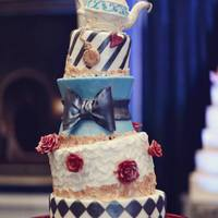 Alice In Wonderland Love this fun Alice in Wonderland-inspired cake.