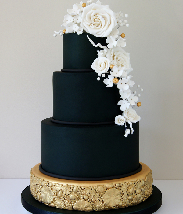 Unconventionally Beautiful Black and Gold Wedding Cakes