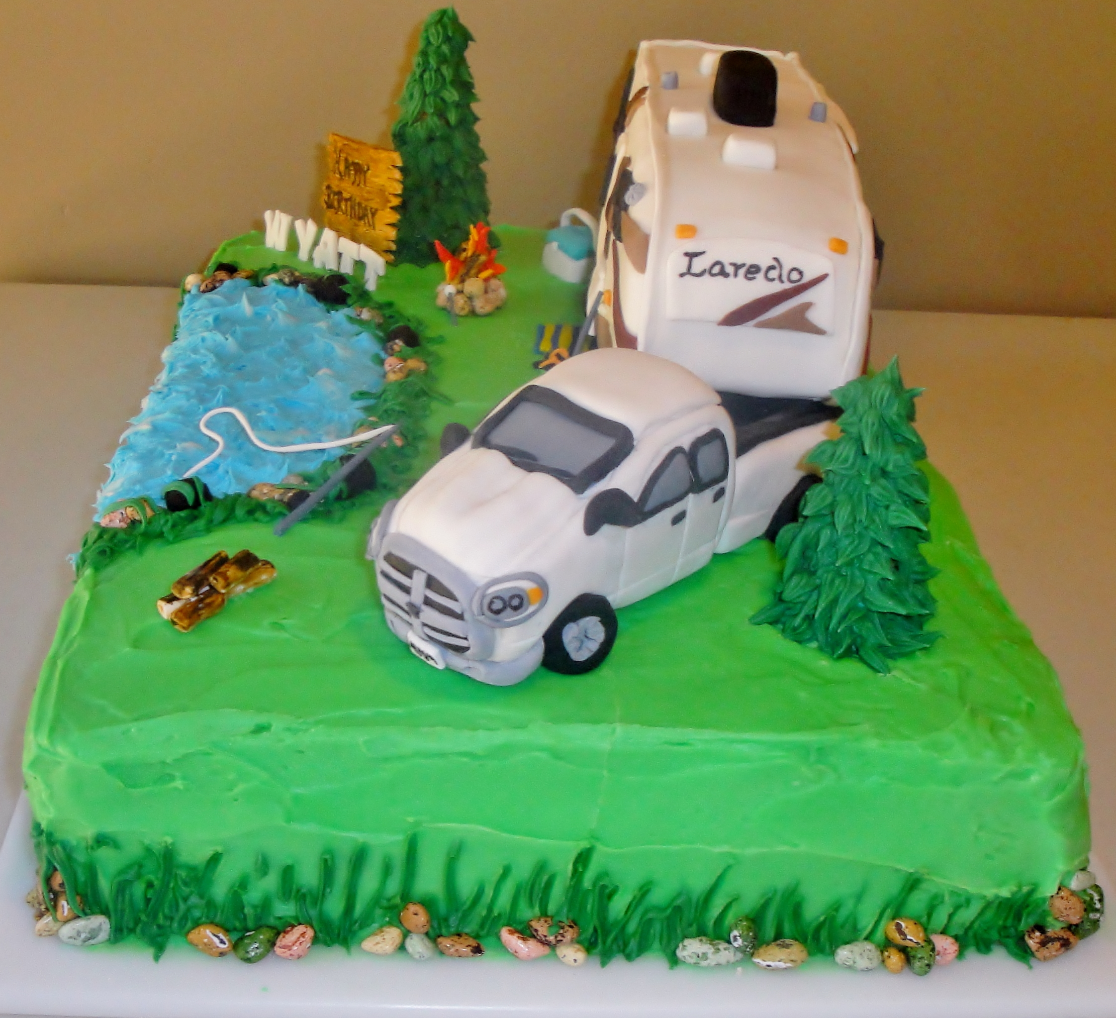 5Th Wheel Campers >> Truck And 5Th Wheel Cake - CakeCentral.com