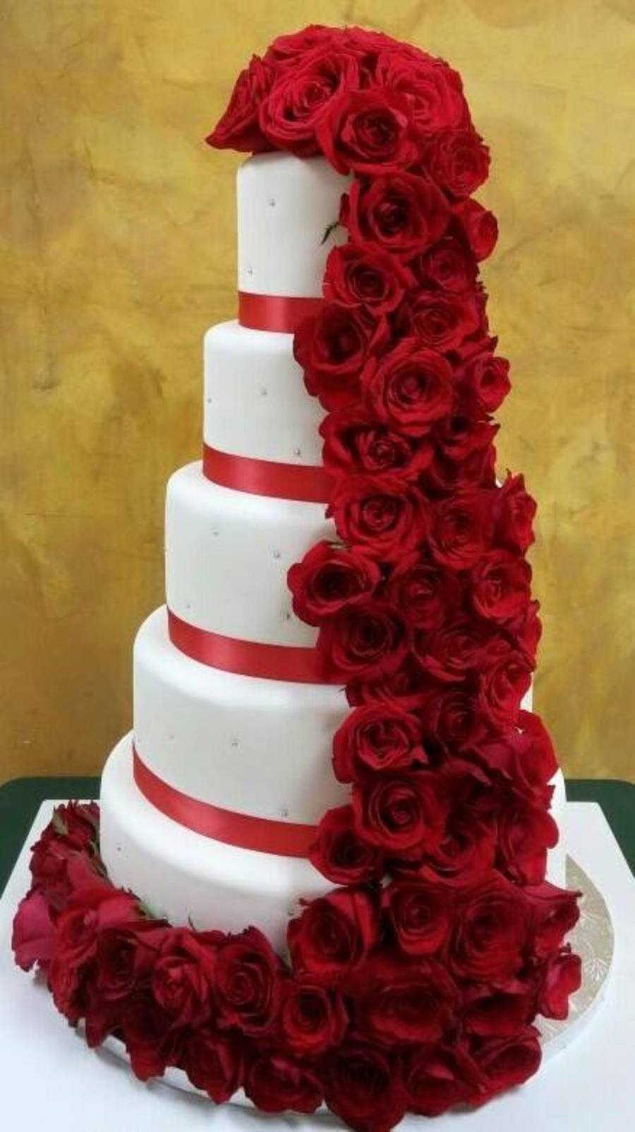 Red Roses Waterfall Cake Cakecentral Com