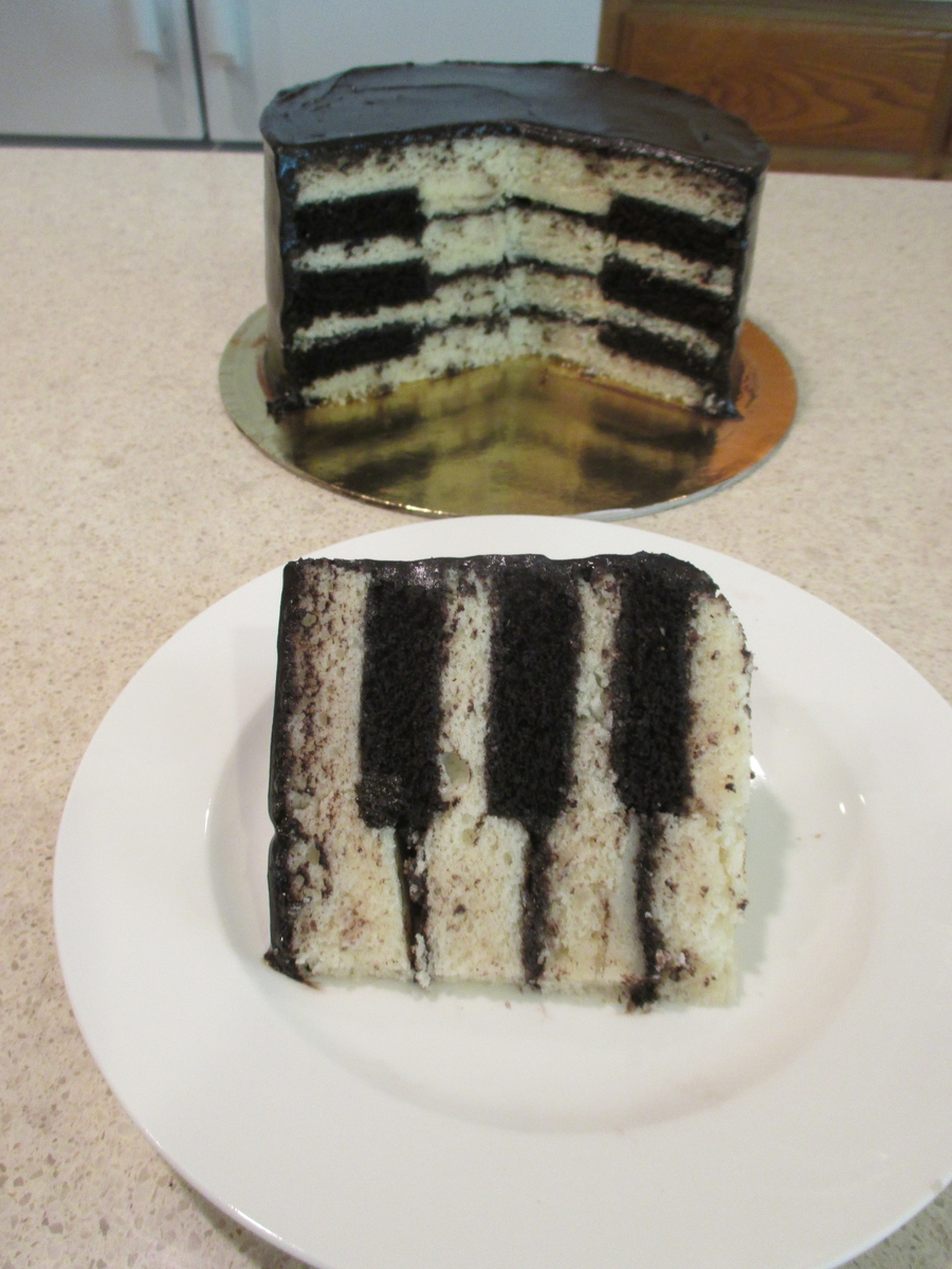 How To Make A Simple Piano Cake