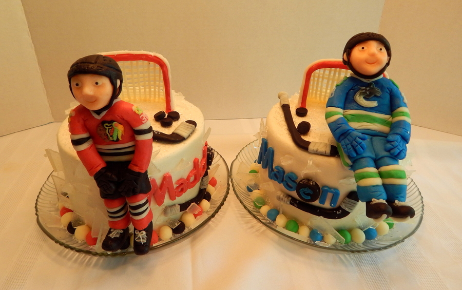 How To Stick Fondant Figures To Cake