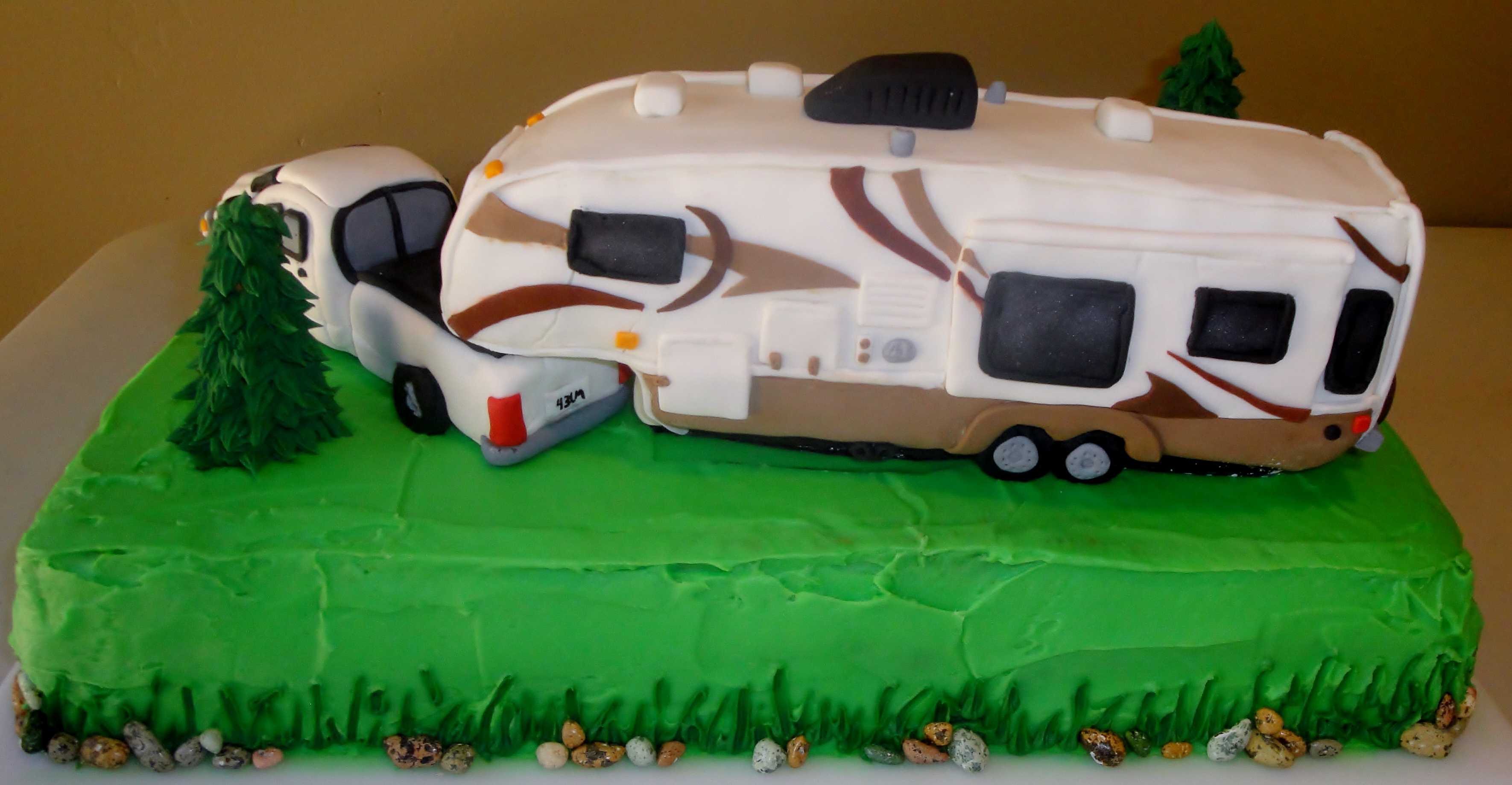 Wheel Cake Decorating