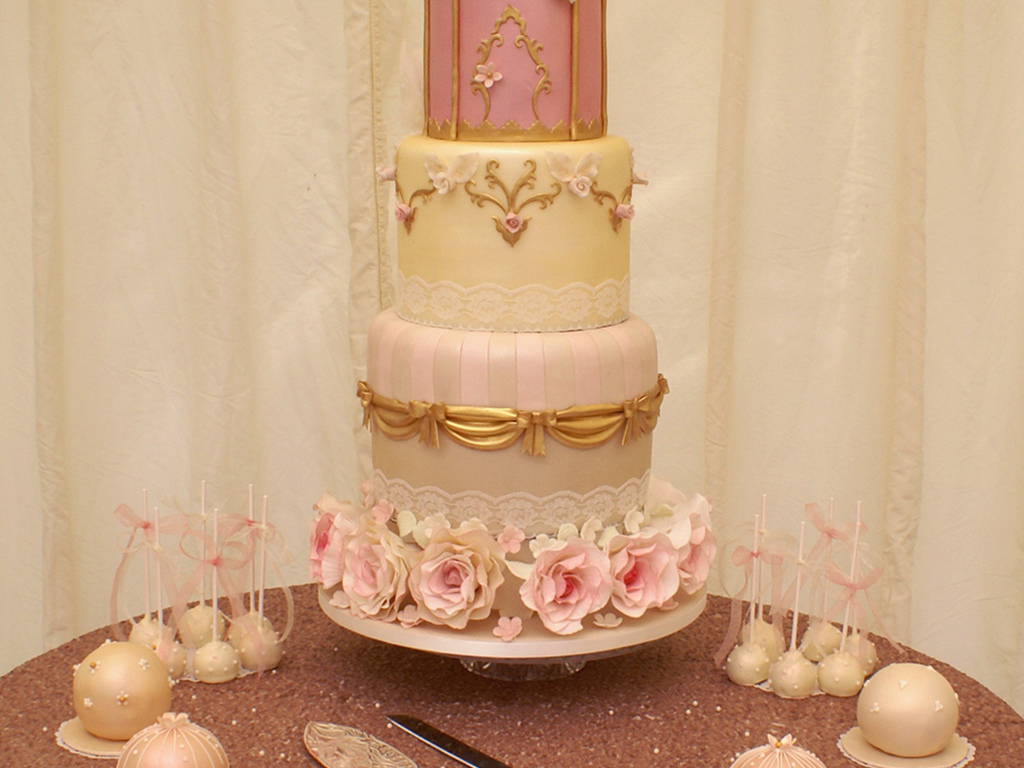 Gold Vintage Chic Birdcage Design With Miniature Sphere Favour - Sphere Wedding Cake