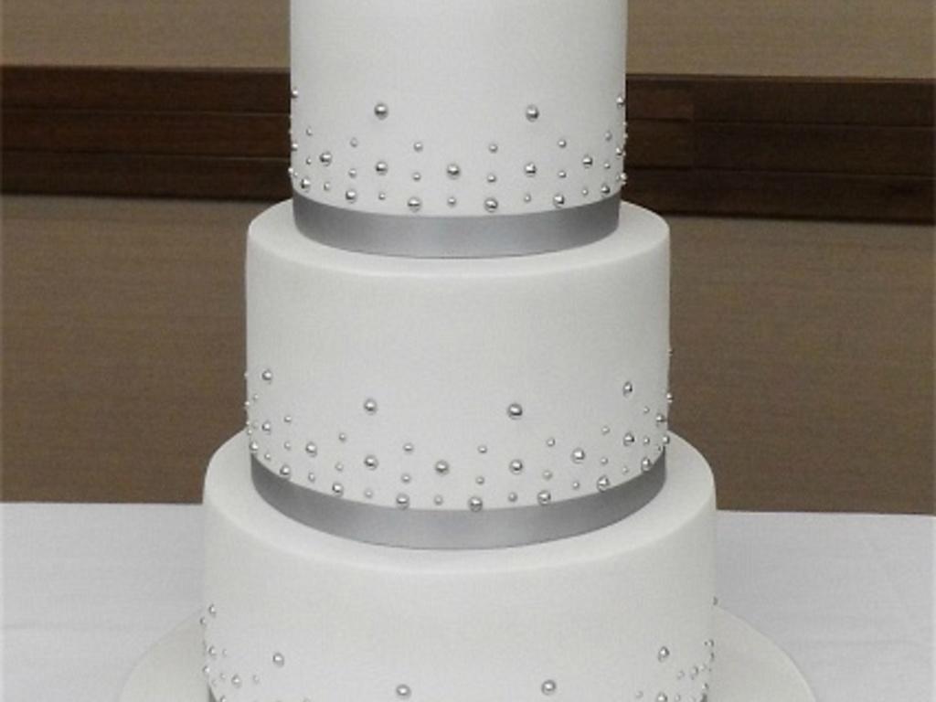 Mr & Mrs Wedding Cake - CakeCentral.com