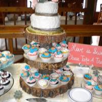 Western Wedding Western theme wedding cake and cupcakes