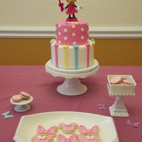 Minnie Mouse Cake This is a cake for my little one... she is 3....