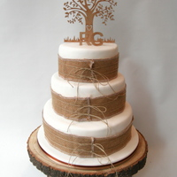 Naturel Wedding Cake The wish of my wedding couple was a cake with lots of natural materials. Jute and rope and a tree as topper.