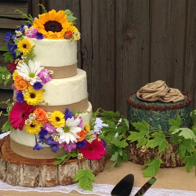 Rustic Spackle Buttercream With Hunting Cammo Groom's Cake