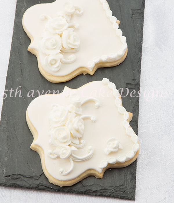 Lambeth Style Wedding Cookie