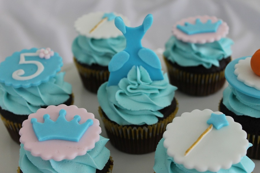 Cinderella Themed Cupcakes Cakecentral Com