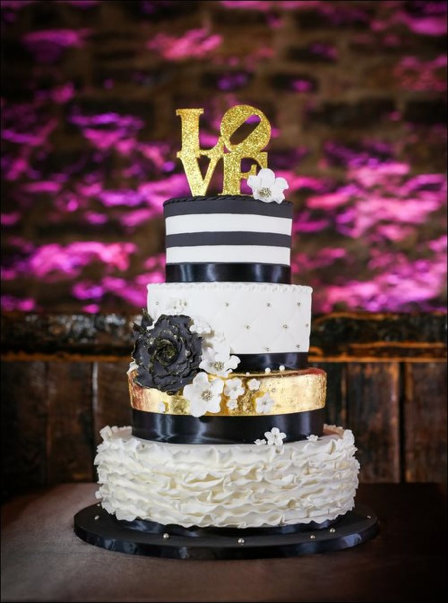 black white gold wedding cake wedding cake cakecentral 11906