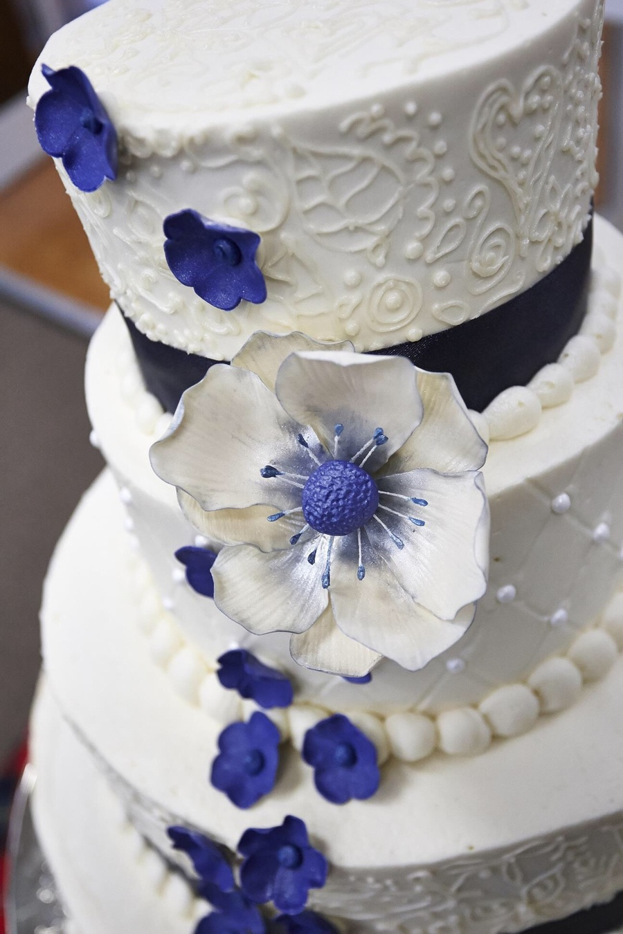 Wedding Cake Gum Paste Flower Closeup Cakecentral Com