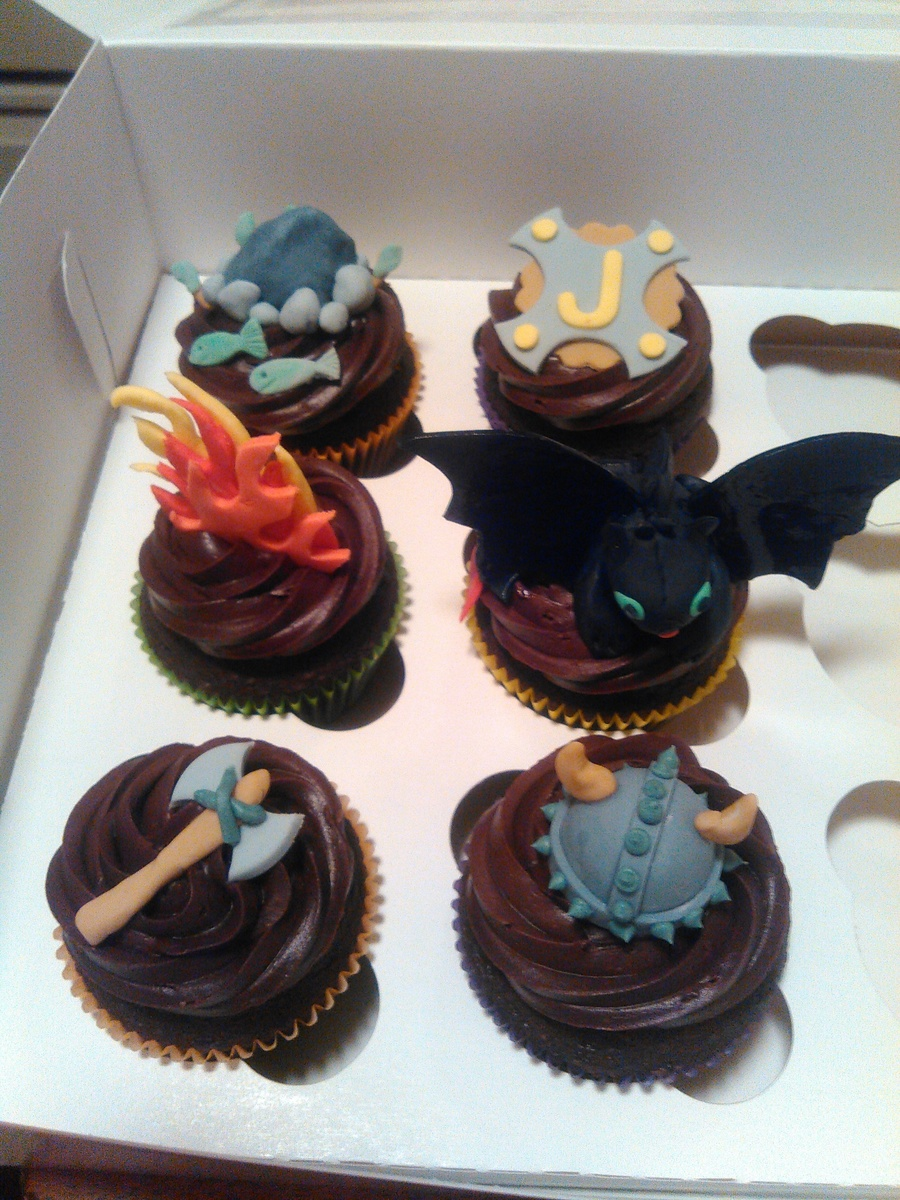 Toothless Quot How To Train Your Dragon Quot Cupcakes