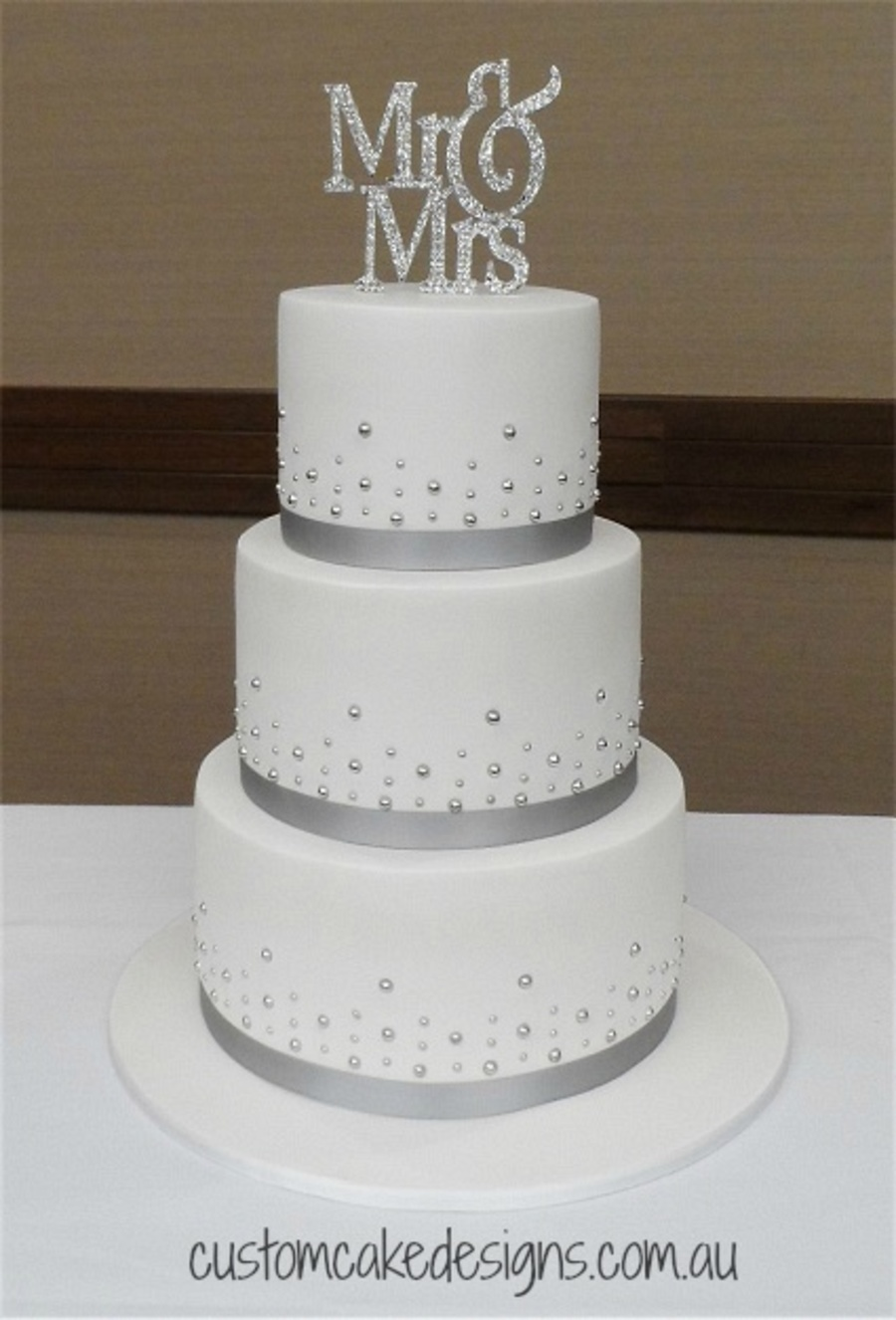 Mr Amp Mrs Wedding Cake Cakecentral Com