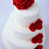 Wedding Cake Red roses wedding cake