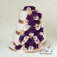 Weddingcake With Purple Roses This cake has given me so much stress that I promised myself never make a weddingcake anymore.....