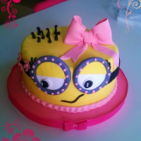 Minion Girl a vainilla cake. my version for a minion girl cake