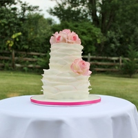 Wedding Cake Fondant Ruffles. Gum paste roses.