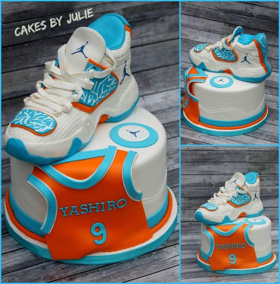 Sneaker S Cake