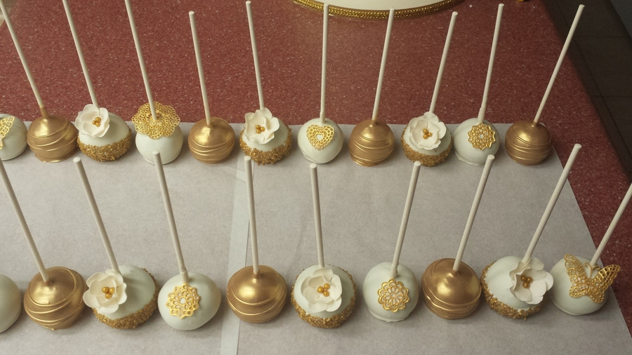 Ivory And Gold Cake Pops Cakecentral Com
