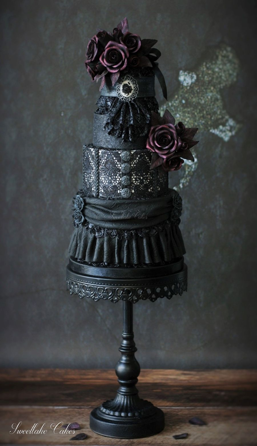 gothic wedding cakes pictures black wedding cake cakecentral 14882