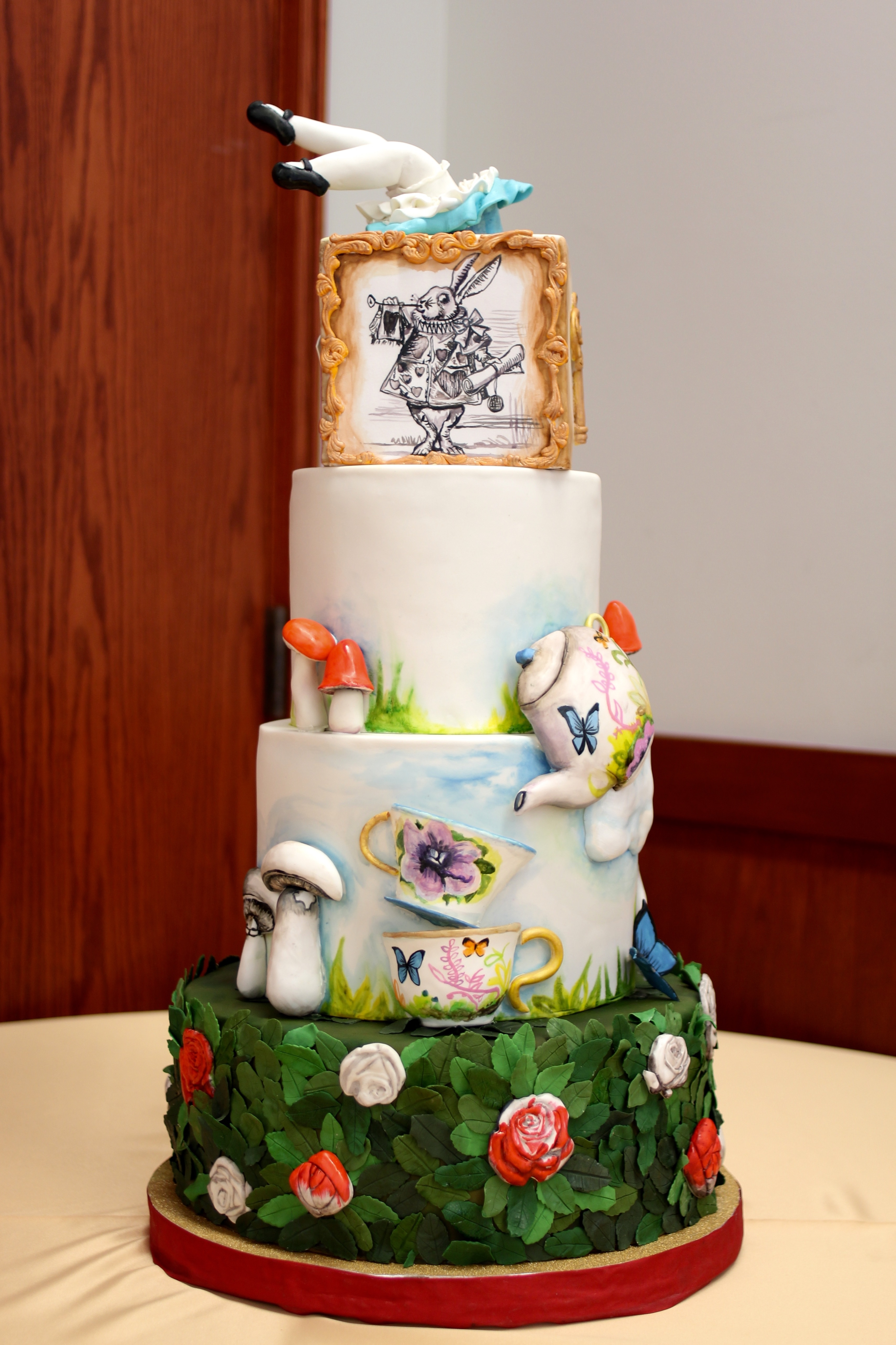 Images For Alice In Wonderland Cakes
