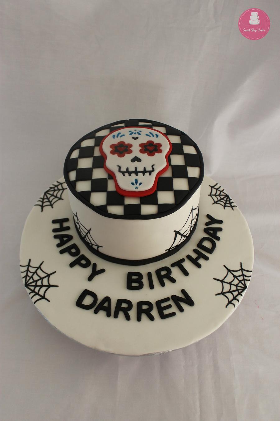 0RmYV6Ilqw-skull-candy-birthday-cake_900.jpg
