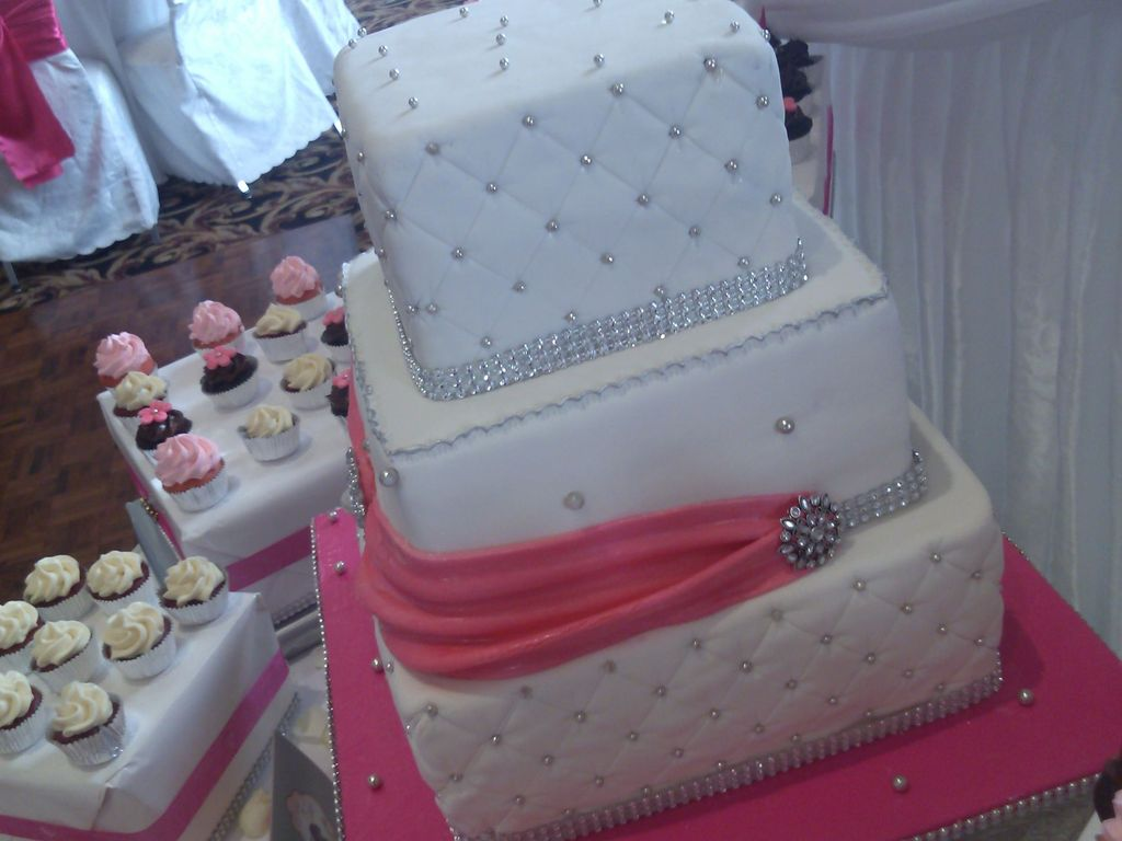 Simple And Elegant Wedding Cake And Mini Cupcakes Cakecentral Com