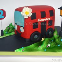 Girly Red Bus Cake A birthday cake for a girl who loves the red bus https://www.facebook.com/poornima.jayamanne.56