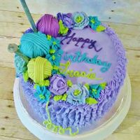 Knitter's Birthday A sweet little cake for a knitting friend.