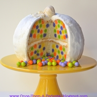 Surprise Inside Mini Polka Dots Pumpkin Cake Free tutorial on how to get those little polka dots inside your cakes: http://once-upon-a-pedestal.blogspot.com/2015/09/surprise-inside-...