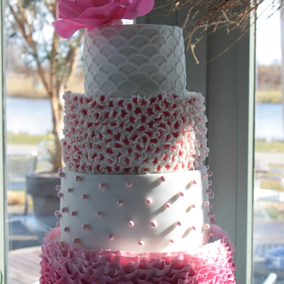 White&pink Wedding Cake