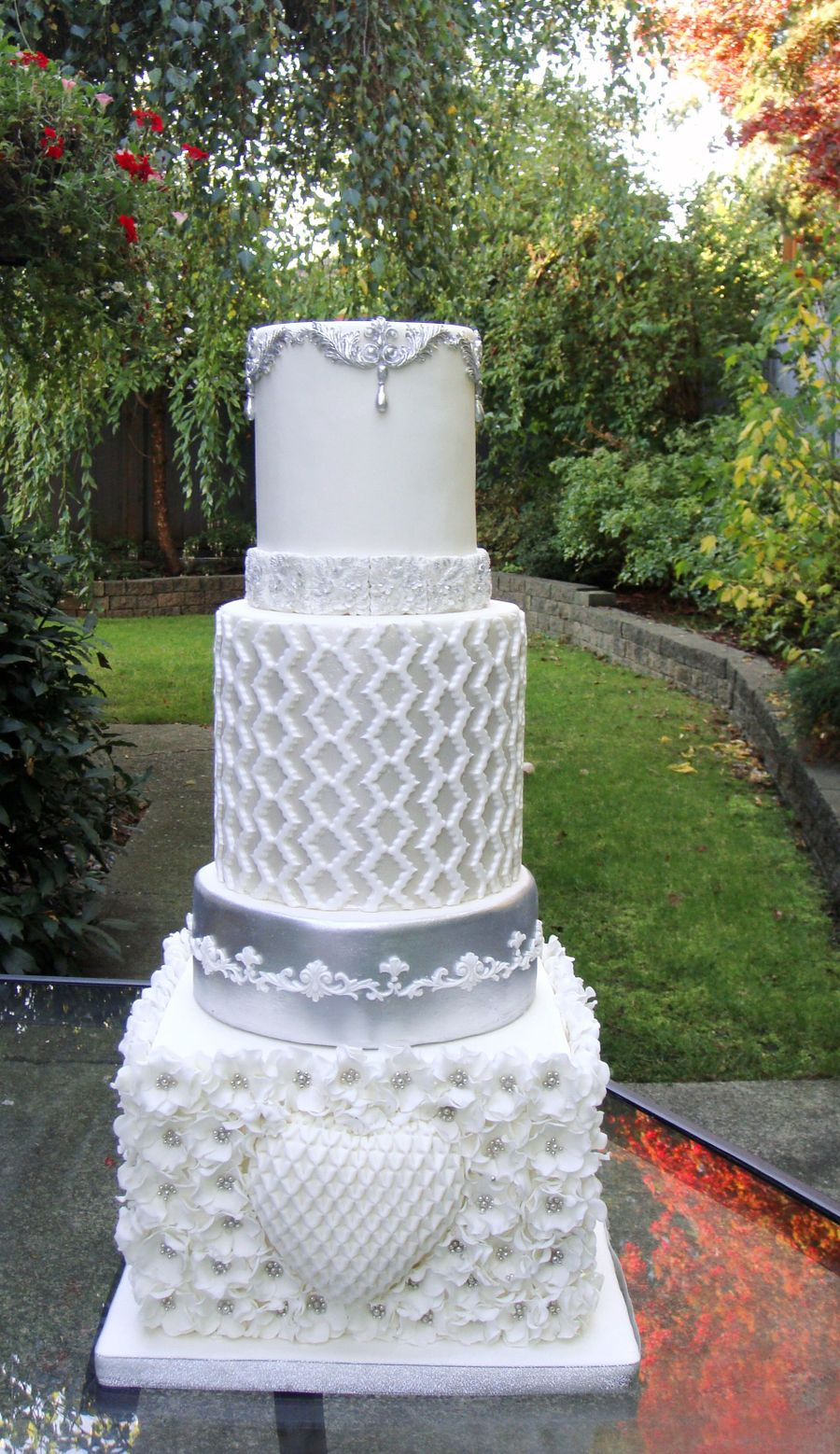 wedding cakes silver white and silver wedding cake cakecentral 25463