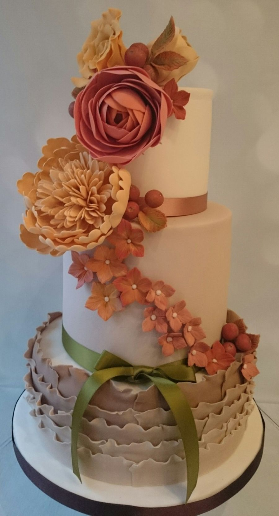 fall theme wedding cakes autumn themed wedding cake cakecentral 14156