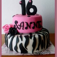 Sweet 16 Only a few days time between the email and the delivery, Sanne was very happy with her sweet 16 cake