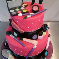 Makeup Cake/ Please Excuse The Image Of My Shirt In The Number 5 Mirror Lol Make up theme cake