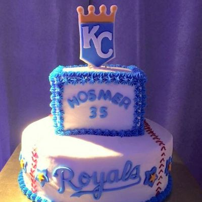 Kansas City Royals Buttercream Cake With Fondant Decorations